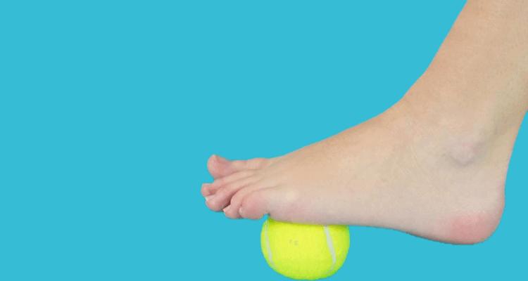 Rolowanie piłki stopą