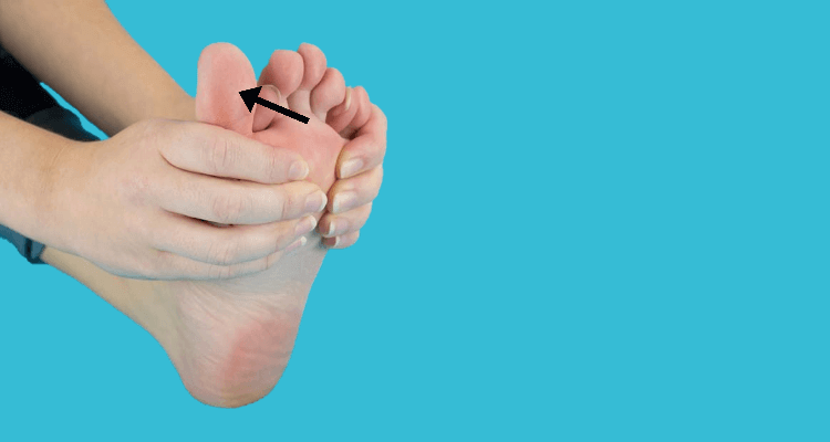 Unoszenie palca z jednoczesnym naciskiem na stopę